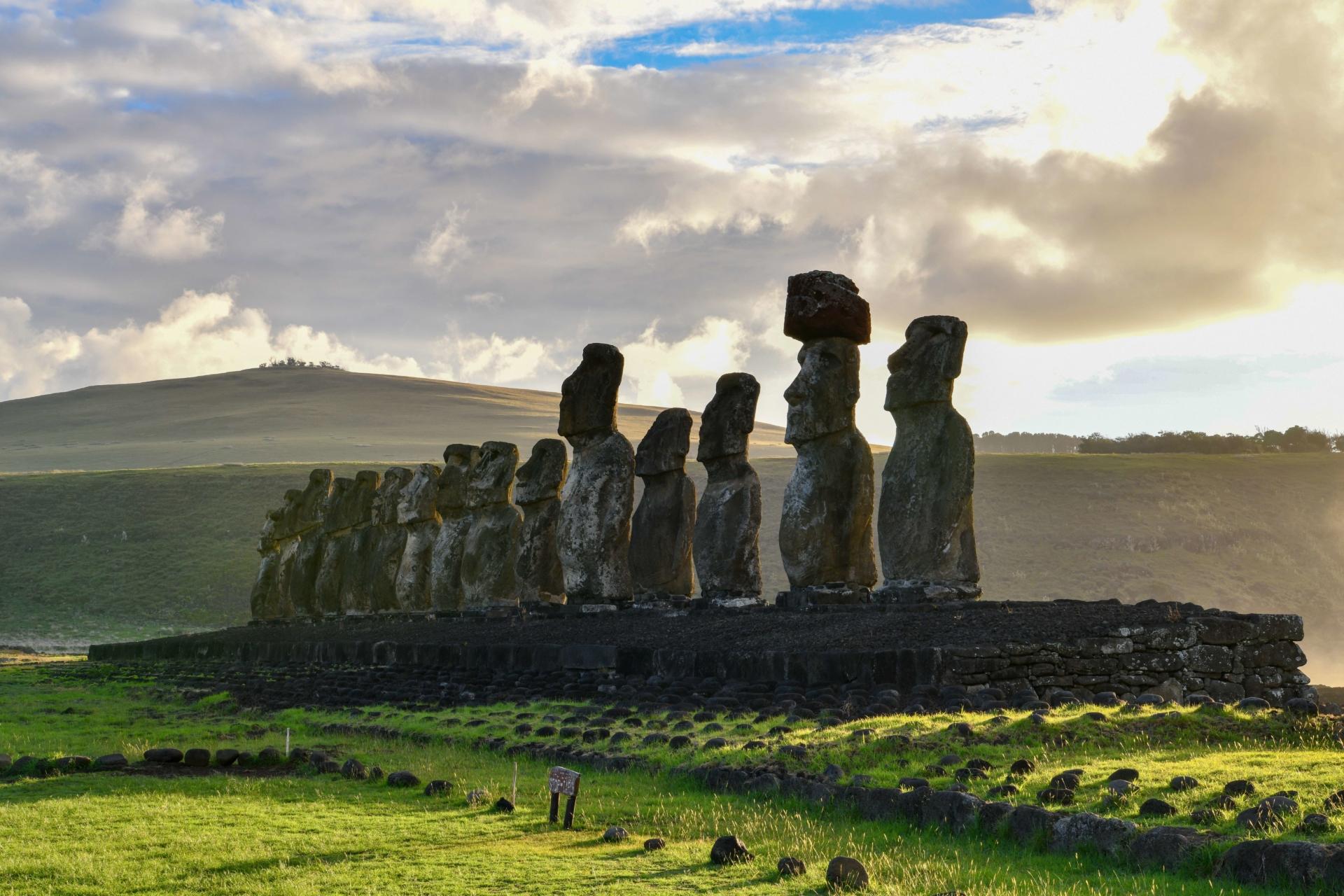 rapa-nui-statues-ile-paques